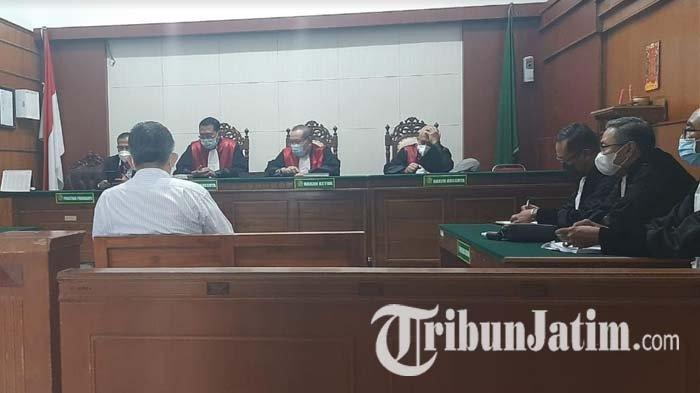 Kasus Dugaan Tipu Gelap Jual Beli Kayu di Surabaya, Jaksa Tuntut Hukuman Tiga Tahun Penjara