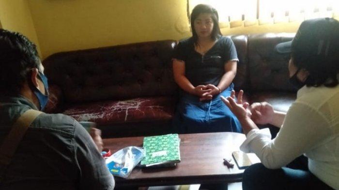 Buka Warung Nyambi Jualan Kupon Judi Toto Gelap, Hermin Pakunden Kota Kediri Diamankan Polisi