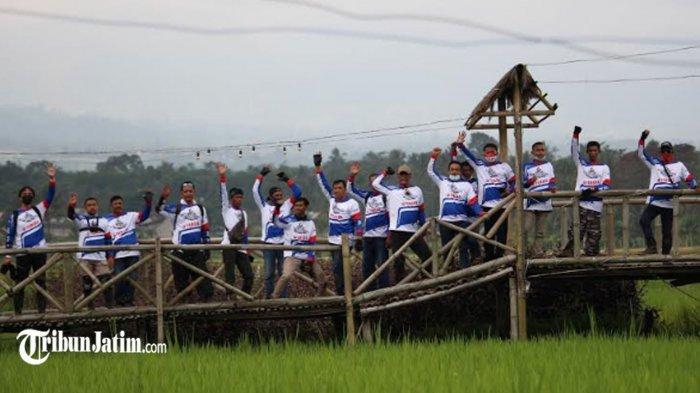 Jelajah Pariwisata Lokal, Yamaha Jatim Ajak 13 Kepala Desa di Kecamatan Pakis 'Ngalas Bareng WR 155'