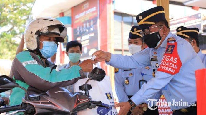 Kemenkumham Jatim Salurkan Bantuan 4.300 Paket Sembako Untuk Masyarakat Terdampak Pandemi