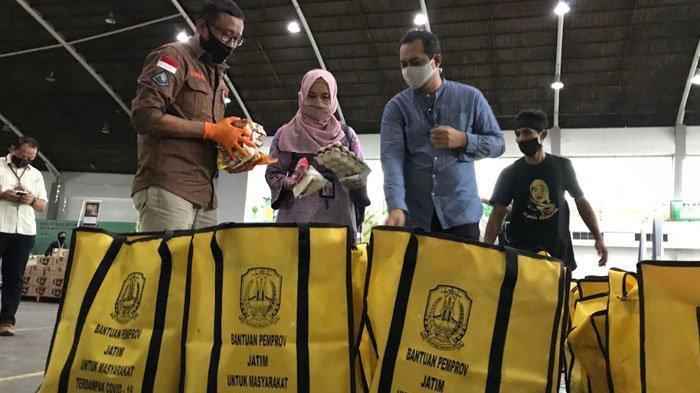 Pemprov Berikan Sembako untuk Warga Jatim Korban PHK dari Bali yang Pulang ke Kampung Halaman