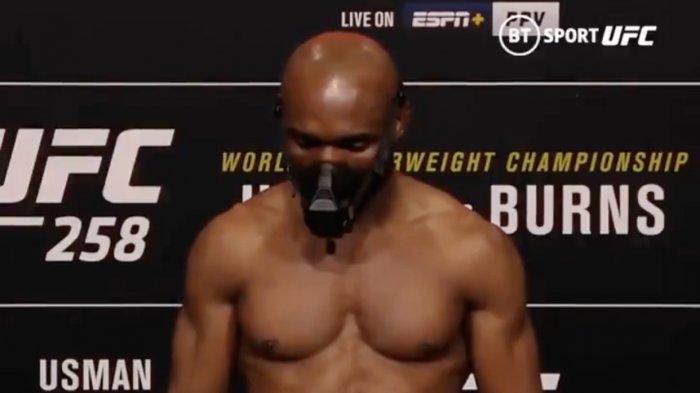 Gara-gara Masker dan Kaos Kaki, Petarung UFC Nyaris Tidak Lolos Timbang Badan, Kamaru Usman Panik