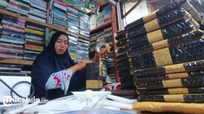 Pedagang Buku 'Kampung Ilmu' Beber Lapak Online, Optimis Genjot Penjualan di Tengah Pandemi