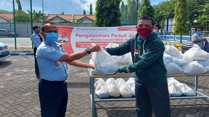 Bakti Sosial Cegah Covid-19 Kanim Surabaya, Bagi APD dan Sabun Cuci Tangan ke Puskesmas Sedati