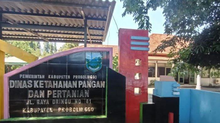 Geledah Empat Kantor Dinas Kabupaten Probolinggo, KPK Bawa Satu Koper Berwarna Hitam