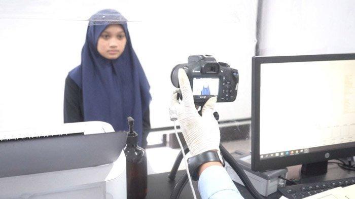 Peringati Hari Dharma Karya Dhika, Kanim Surabaya Berikan Pelayanan Paspor Gratis untuk Pemohon