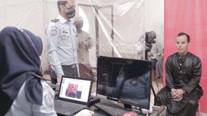 Tingkatkan Layanan dan Pengawasan, Petugas Kantor Imigrasi Madiun Jemput Bola Layani WNA