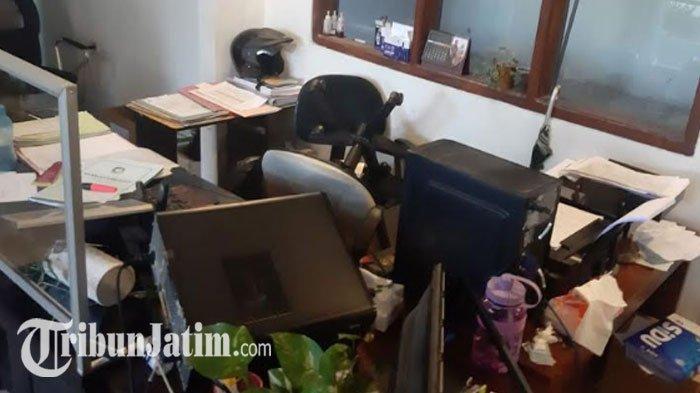 Guru Berstatus ASN Mengamuk di Kantor Dispendukcapil BanyuwangiDiberhentikan Sementara