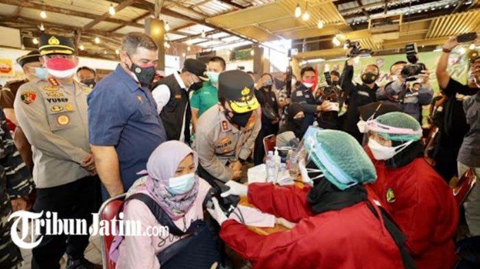 Polda Jatim Gelontor 1.000 Dosis Vaksin Covid-19 untuk Bonek Mania, Diajak Jaga Protokol Kesehatan
