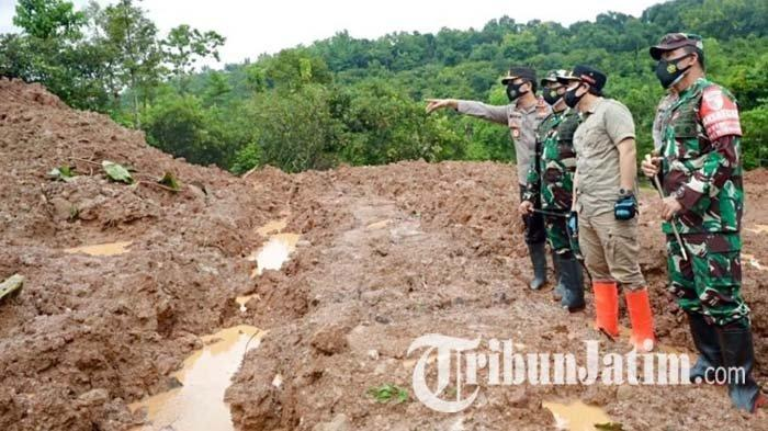 Kapolda Jatim dan Pangdam V Brawijaya Tinjau Longsor di Nganjuk, Pencarian Korban Masih Dilakukan