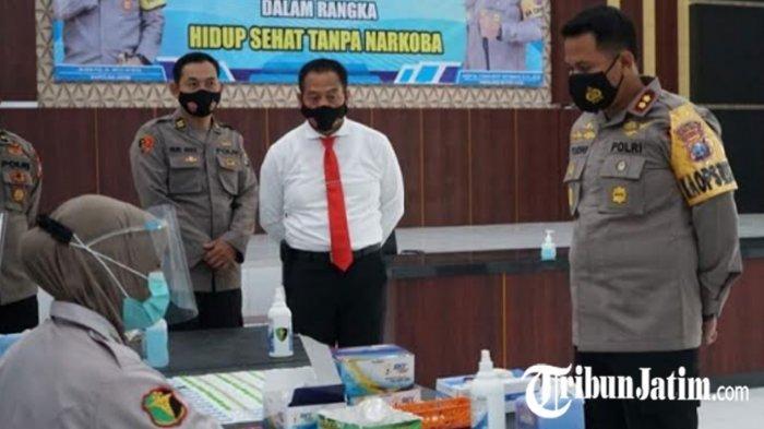 Cegah Penyalahgunaan Narkoba, 127 Personel Polres Blitar Kota Jalani Tes Urine Dadakan Usai Apel