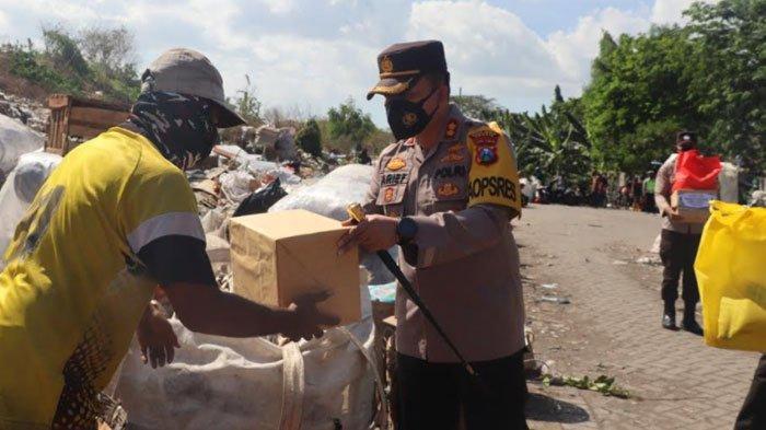 Kekompakan Kapolres Gresik Bersama Dandim 0817 Salurkan Bantuan Sosial Saat PPKM Darurat