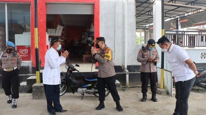 Patroli di Pasar, TNI-Polri Ingatkan Masyarakat Gresik Tetap Patuhi Protokol Kesehatan