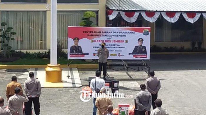 Polres Jember Distribusikan Bantuan ke Kampung Tangguh Semeru Jember