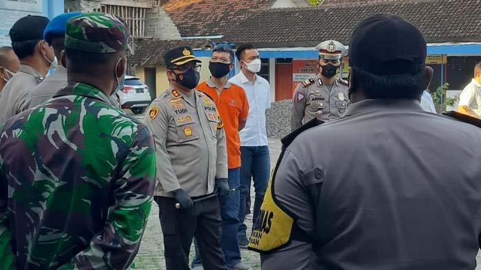 Kapolres Kediri Kota Kunjungi Posko PPKM Mikro Kecamatan, Tinjau SOP hingga Mengecek Kelengkapan