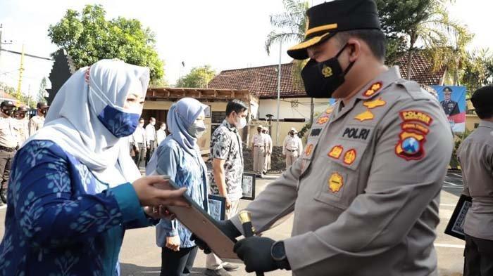 Kapolres Kediri Kota Beri Penghargaan Polisi dan Masyarakat dalam Penanganan Covid-19