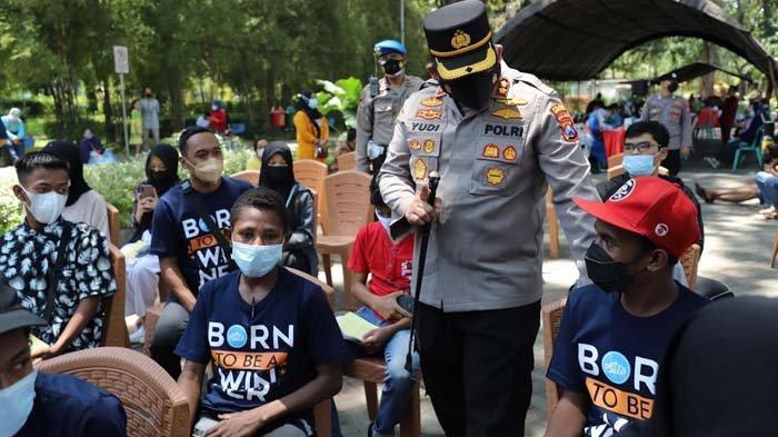 Gerai Vaksin Semeru Gelar Vaksinasi Covid-19 untuk Pelajar Usia 12 Tahun dan Siswa Asal Papua