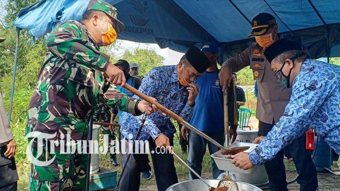 Satgas Covid-19 Kabupaten Madiun Dirikan Dapur Umum, Bagikan 1.000 Bungkus Nasi Per Hari