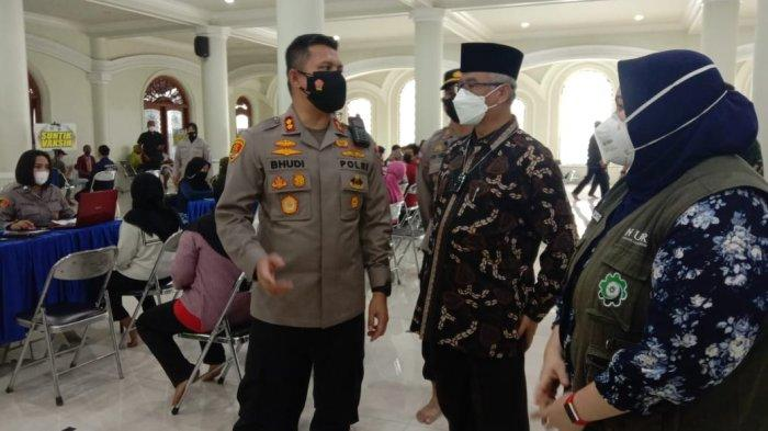 Kejar Herd Immunity, PC NU Kota Malang dan Polisi Gelar Serbuan Vaksinasi di Masjid Agung Jami