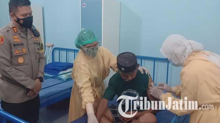 Polresta Malang Kota Gelar Vaksinasi Covid-19 secara Door to Door, Sasar Lansia di Panti Jompo
