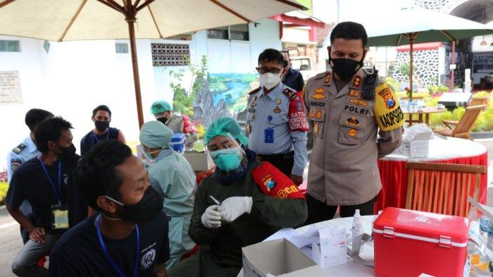 Polresta Malang Kota Gelar Serbuan Vaksinasi di Lapas Kelas I Malang