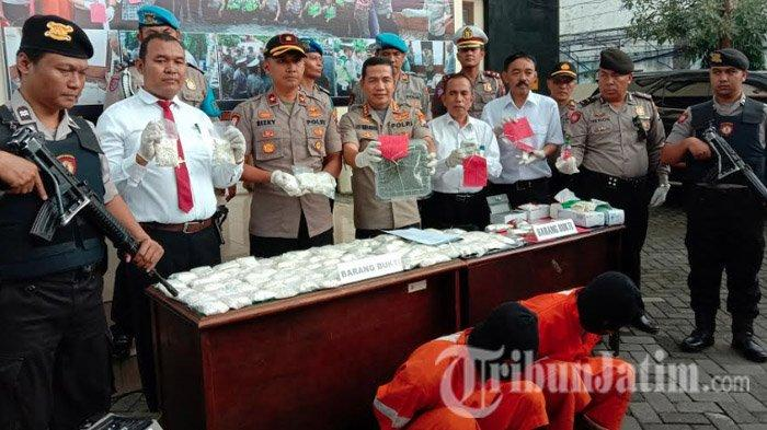 Barang Bukti dari Dua Pengedar Narkoba di Malang, Mulai 1,66 Gram Sabu hingga 87.800 Pil Double L