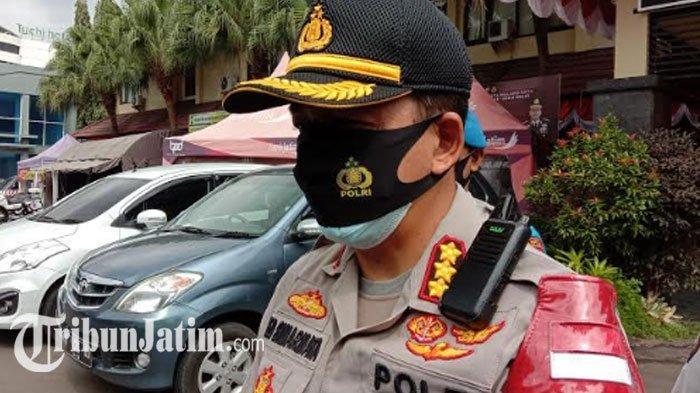 Pemeriksaan Tersangka AS Pencium Jenazah di Malang di Ruang Khusus, Petugas Gunakan APD