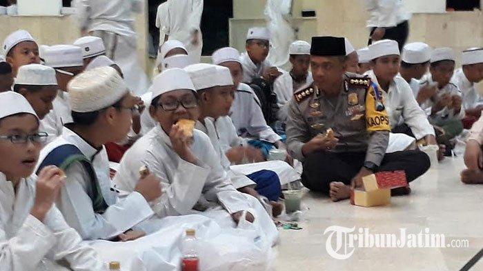 Ajak Santri Perangi Hoax, Kapolrestabes Surabaya Sambangi Pesantren Hidayatullah