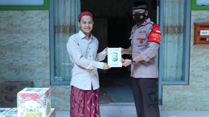 Polisi Gresik Temui Pemangku Pondok Pesantren: Kami Lestarikan Budaya Silaturahmi dengan Tokoh Agama