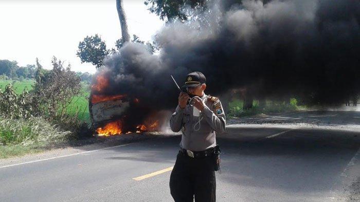 Identitas Sopir Mobil yang Terbakar di Jalan Tulungagung-Blitar Terungkap, Bawa 500 Liter Bensin