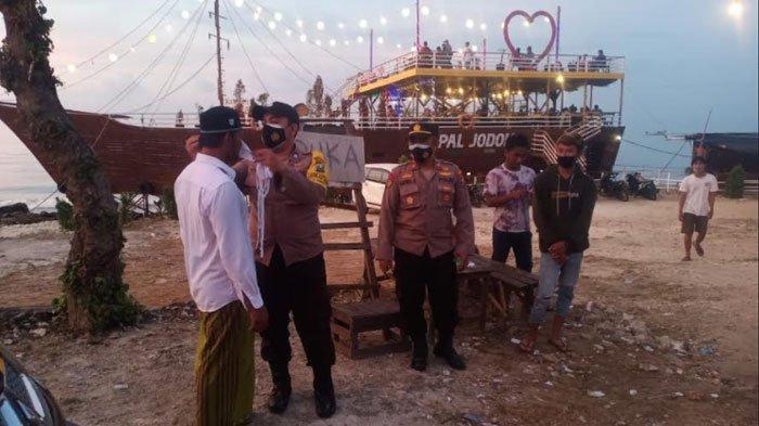 Wisata Kapal Jodoh Pamekasan Ramai Didatangi Wisatawan, Kapolsek Tamberu Sidak Prokes