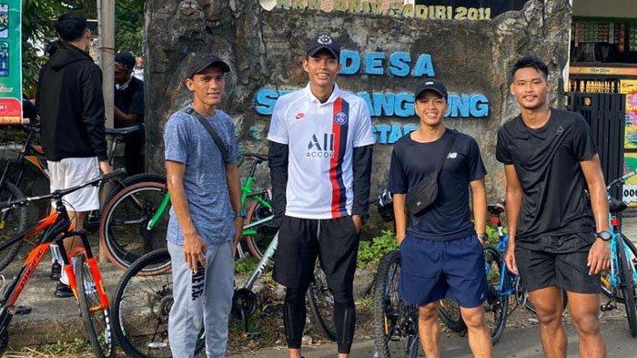 Ikut Gandrungi Gowes, Kapten Persik Kediri Faris Aditama Tempuh Jarak hingga 60 Km