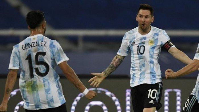 TERPOPULER BOLA: Hasil Babak I Argentina Vs Uruguay hingga Lionel Messi Cs Bungkam Luis Suarez dkk