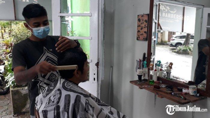 Balai RW Janti Raya Kota Malang Lama Tak Terpakai, Disulap Aestetik Jadi 'Karang Taruna Barbershop'