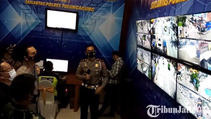 BERITA TERPOPULER JATIM: Pencurian Uang di Polda Jatim - Uji Coba Tilang Elektronik di Tulungagung