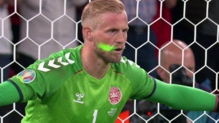 Wajah Kiper Denmark Diganggu Sinar Laser Saat Hadapi Penalti Harry Kane, UEFA Turun Tangan