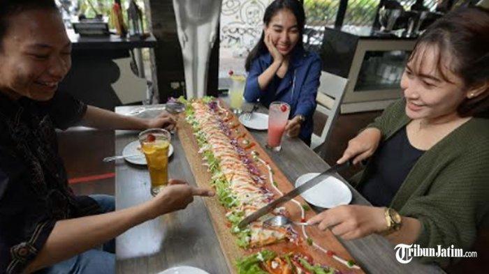Icip-icip 'Kebab Limousine' Hotel Regantris Surabaya, Cocok Disantap Malam Bareng Wedhang Secang