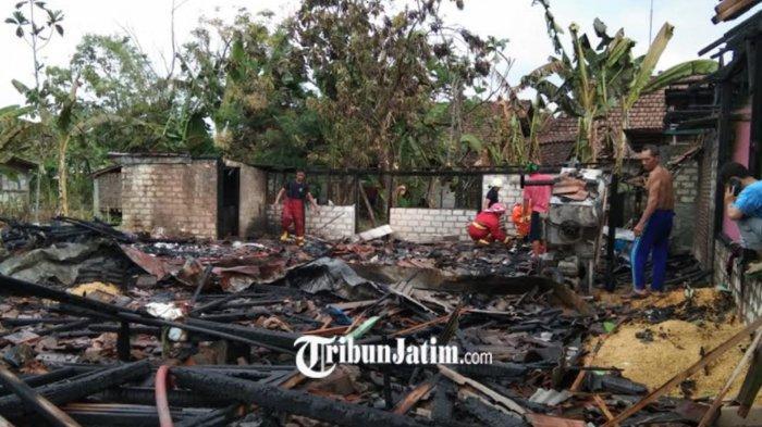 Korsleting Listrik Bikin Dua Rumah di Bojonegoro Terbakar, Kerugian Capai Ratusan Juta