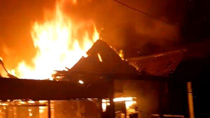 TERKUNGKAP Penyebab 7 Rumah Kebaran di Morokrembangan, Ketua RW: Ada 12-15 KK Tinggal di Sana