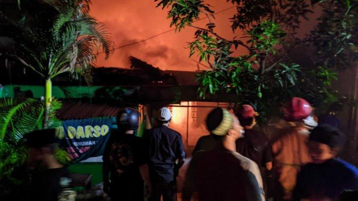 Dua Kendaraan Roda Dua Hangus Saat Kejadian Kebakaran Rumah di Mojokerto Kerugian Rp 100 Juta