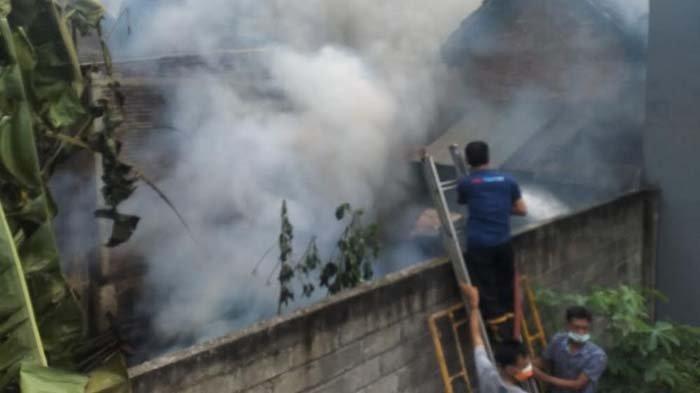 Gara-gara Memasak Ketela lalu Ditinggal Tidur, Dapur Rumah Warga Tulungagung Ludes Terbakar