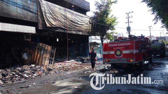 VIDEO - Kondisi Terbaru Bara Api Toko Aneka Ria di Tulungagung, 24 Jam Setelah Terbakar