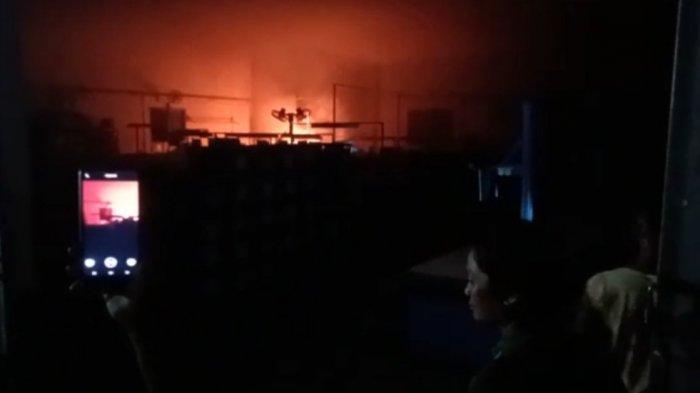 Pabrik Sepatu di Bojonegoro Terbakar, Dipicu Korsleting Listrik
