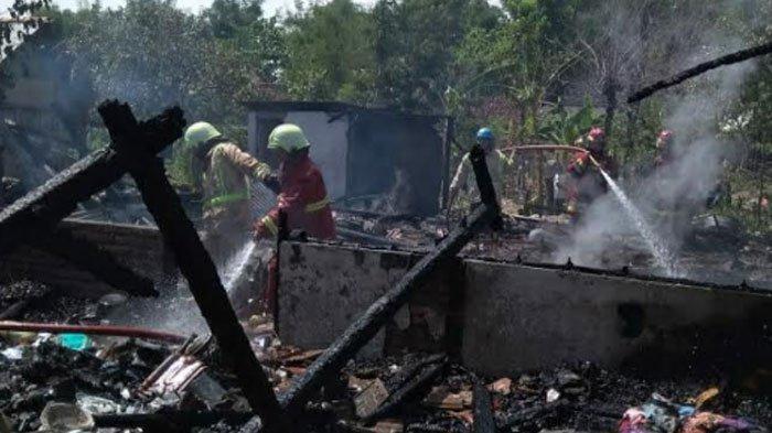 Api Melalap 4 Rumah di Desa Pagerwesi Bojonegoro, Kebakaran Diduga Akibat Korsleting Listrik