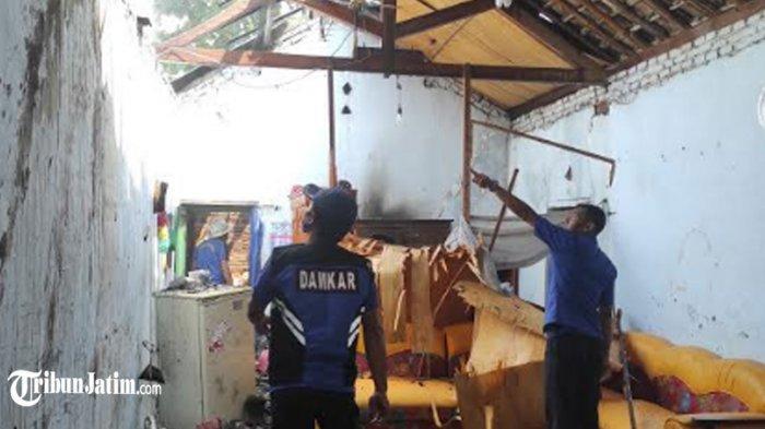 Obat Nyamuk Diduga Penyebab Kebakaran Rumah di Jenangan Ponorogo, Api Merambat dari Kasur ke Atap