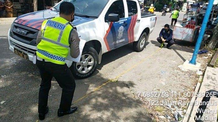 2 Perempuan Tertabrak Luxio Oleng di Jalan Raya Dungus-Kare Madiun, Dirujuk ke Rumah Sakit di Solo