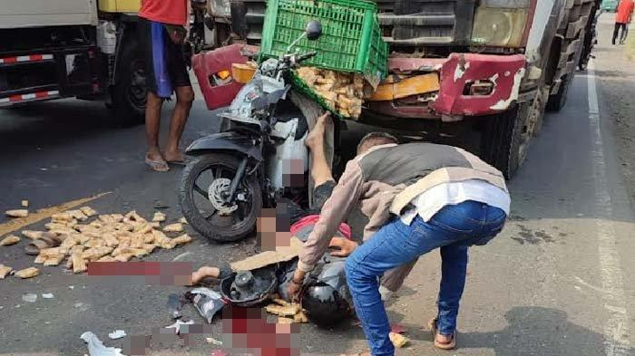 Kecelakaan di Menganti Gresik, Pedagang Gorengan Alami Patah Kaki Usai Tergencet Truk