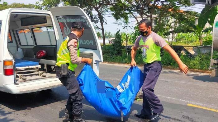 Sepeda Motor Berpenumpang Satu Keluarga di Tuban Dihantam Truk, Istri Tewas Mengenaskan