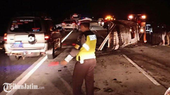 Penumpang Pikap yang Tewas Terbakar Akibat Kecelakaan di Tol Kertosono, Diduga Terhimpit dalam Mobil