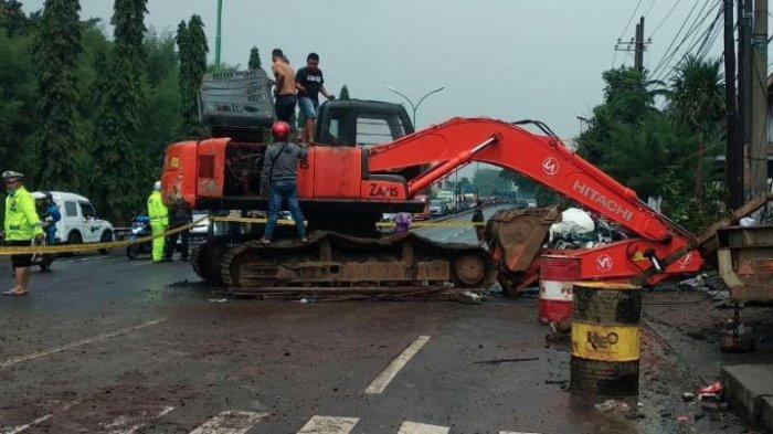 KRONOLOGI Kecelakaan Maut Beruntun 1 Truk Kontainer, 3 Mobil & 1 Motor di Pasuruan, Tewaskan 7 Orang